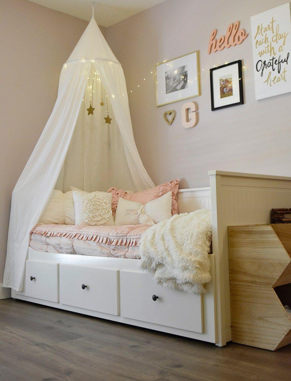 Horse Inspired + Modern Chic Little Girls Room: Bedding + Details
