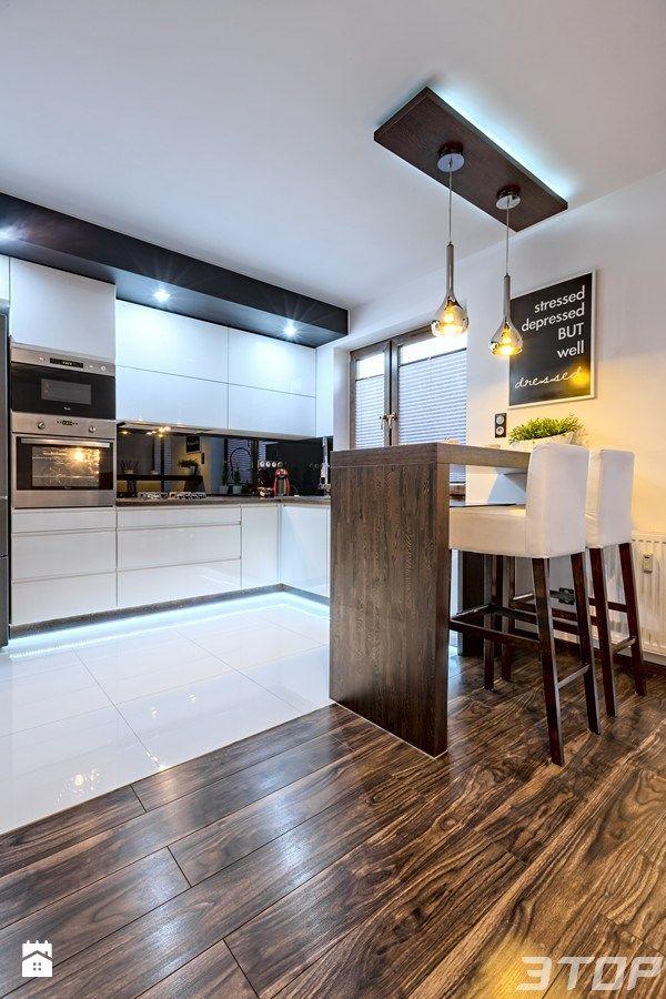 Different flooring to define different zones kitchen for Raumgestaltung definition