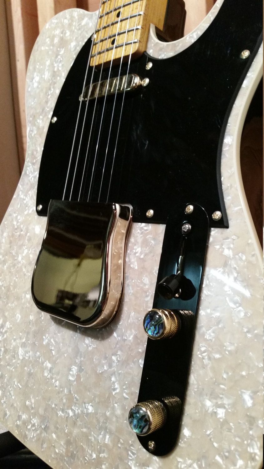 KJug Original TC (tele style 6 string right handed solid body electric guitar) with Fender ABS HSC Case!