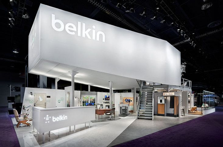 White Exhibition Stall : Crisp clean white uplighting can highlight your booth