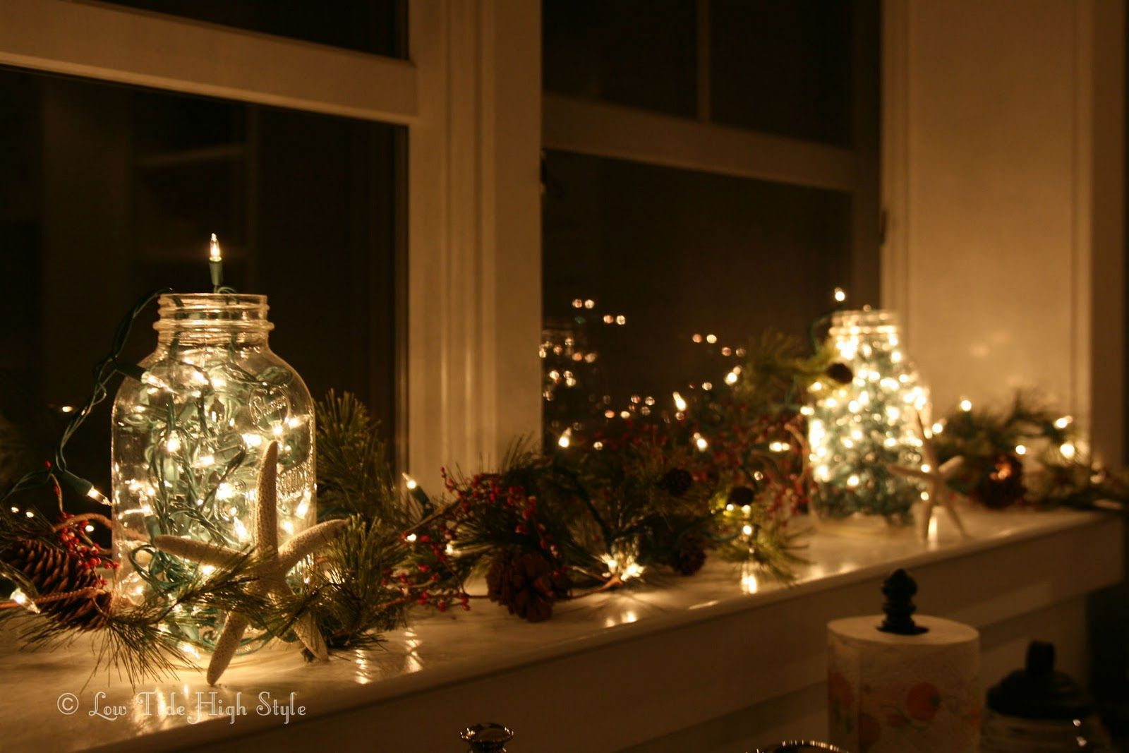 holiday windowsill decor idea - Christmas Window Sill Decorations Ideas