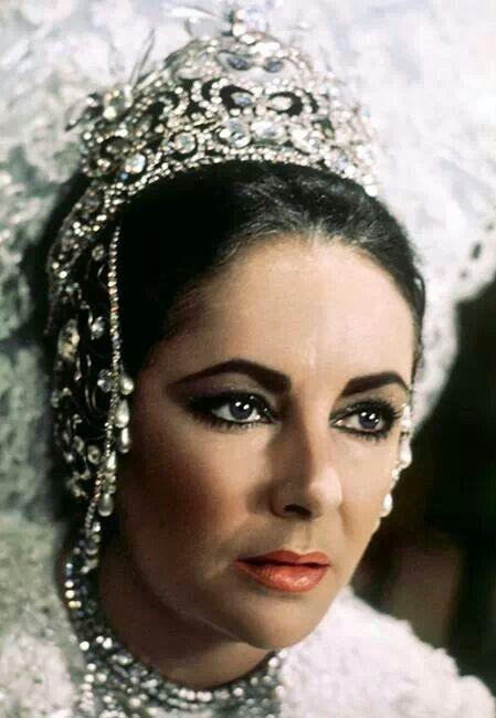 Elizabeth Taylor 1976