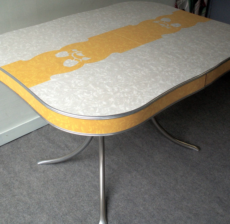 table 'pommes' - formica jaune et faux uni blanc - années 60