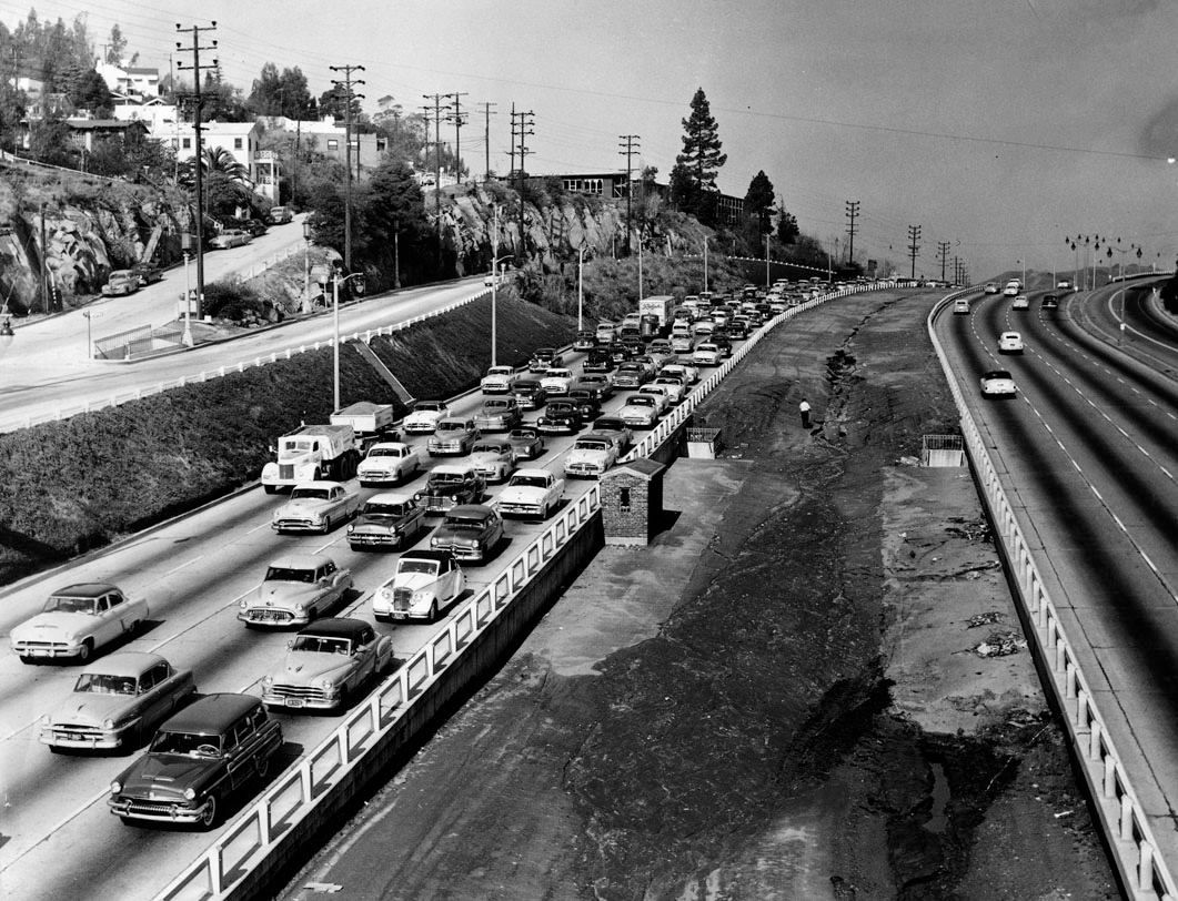 Traffic In La 1955 Not Much Has Changed With The Traffic California History Hollywood California Los Angeles History