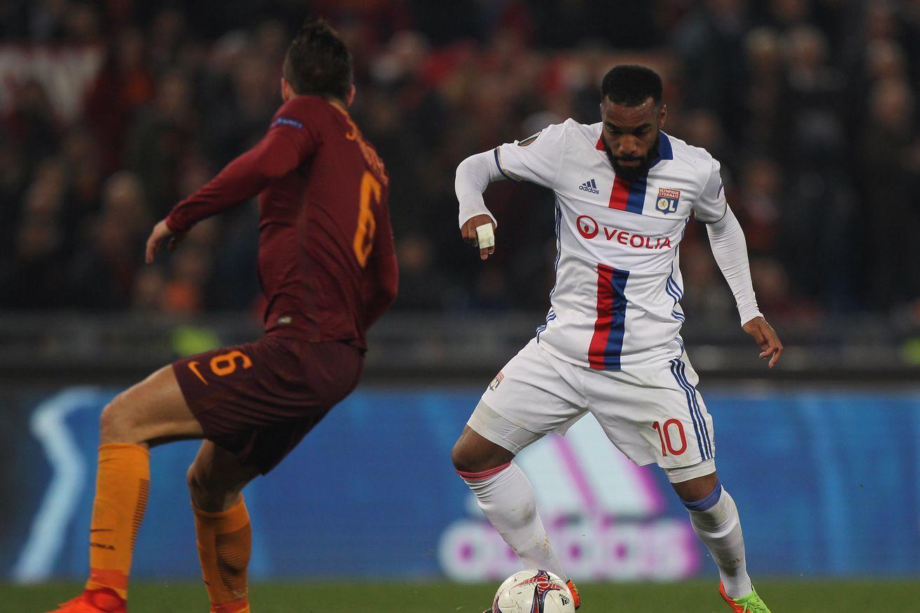 FUT 17 Ligue 1 TOTS, with OP Lacazette, Cavani | Fifa 17 ...