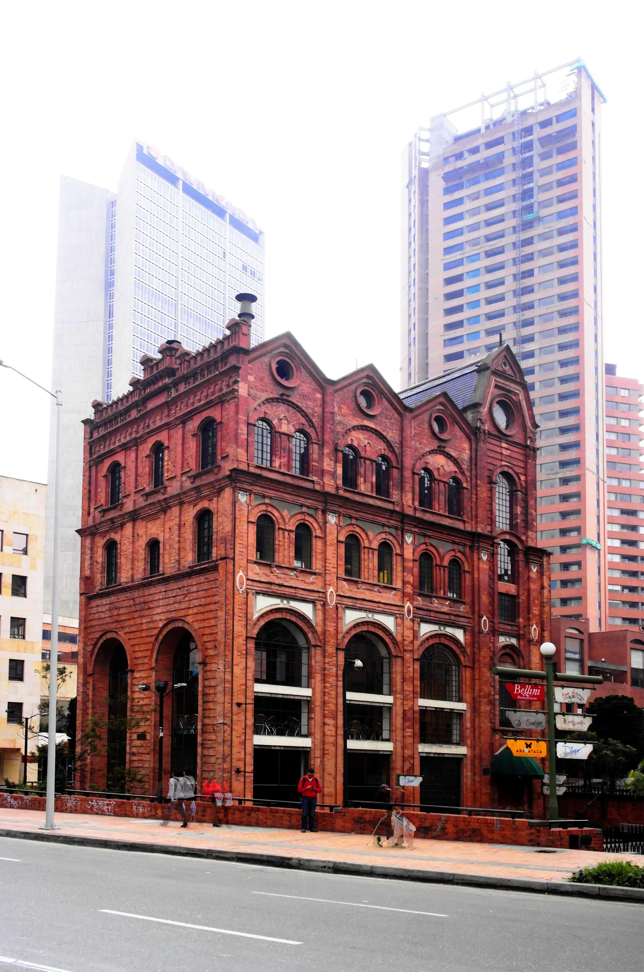 Antiguo Edificio De La Cervecer A Bavaria En Bogota Pinterest  # Muebles Roldan Tulua