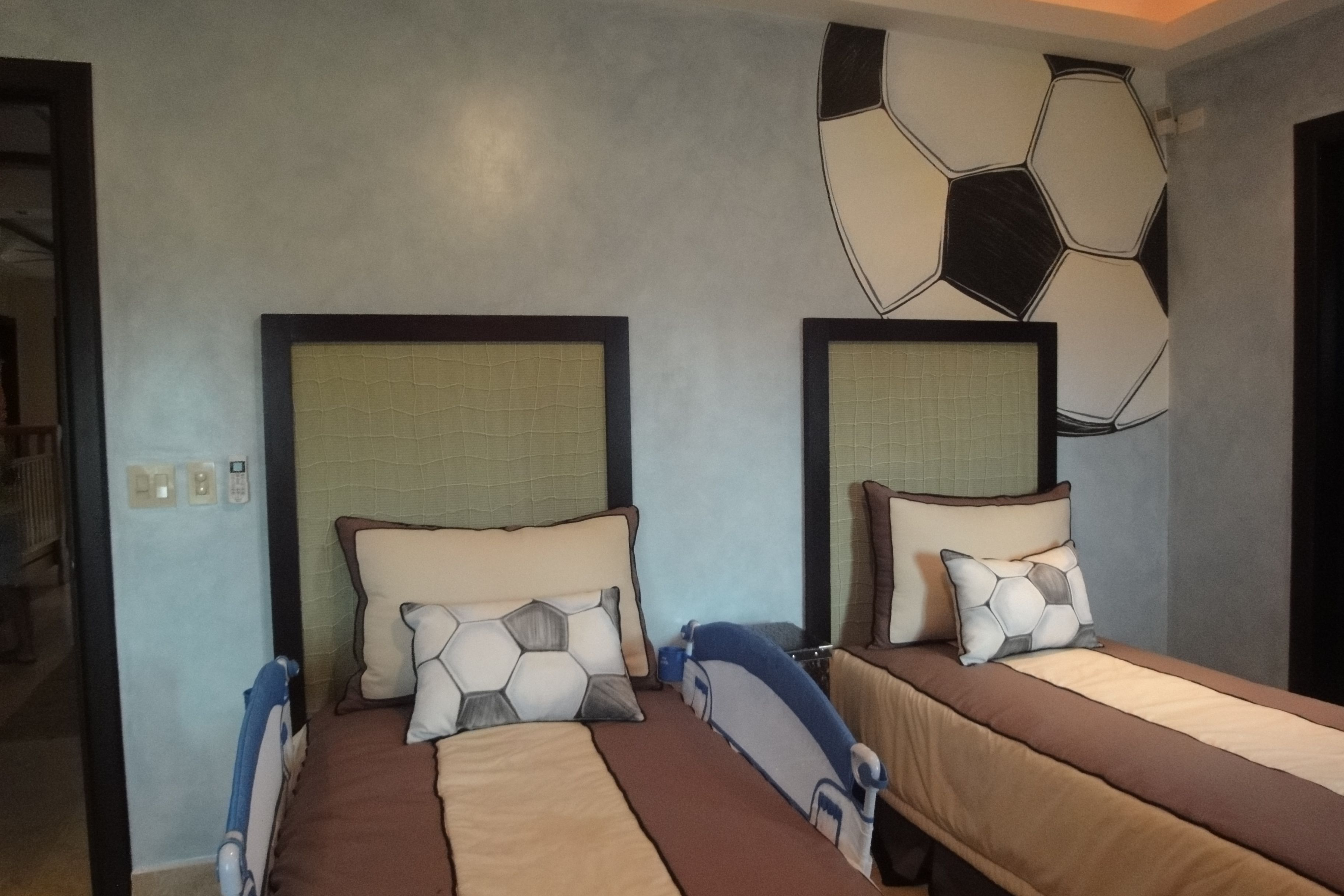 Cuarto para fanaticos de futbol cuartos de ni os for Habitaciones de varones