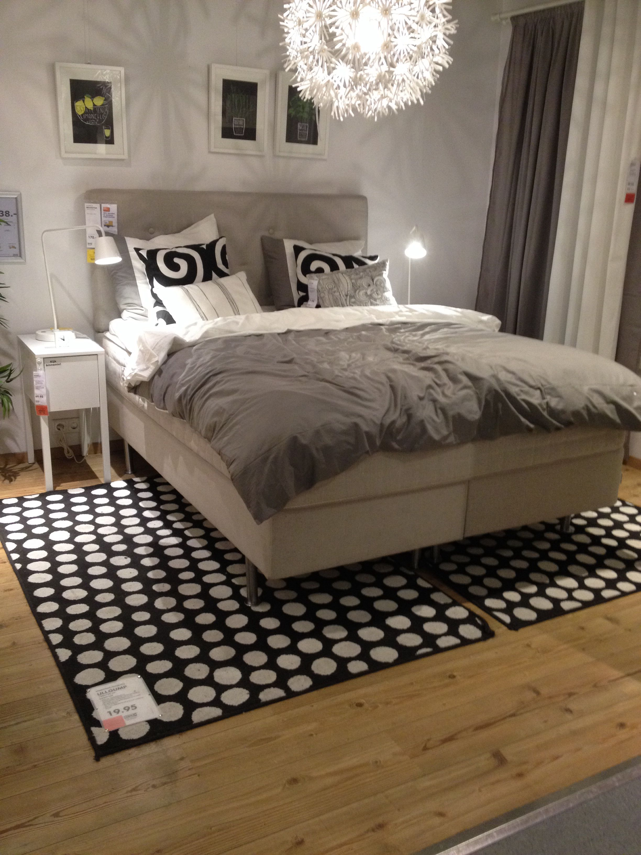 Boxspring Bedden Bij Ikea.Ikea Boxspring En Lamp Bedroom Ikea Love In 2019