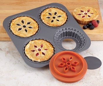 Cooking Miniature Individual Cake Pans