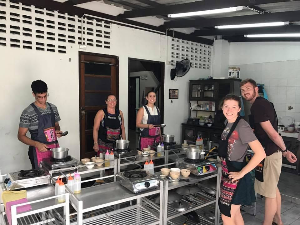 Pink Chili - Thai Cooking Class in Bangkok (pinkchilithaicookingclassinban) - Profile   Pinterest