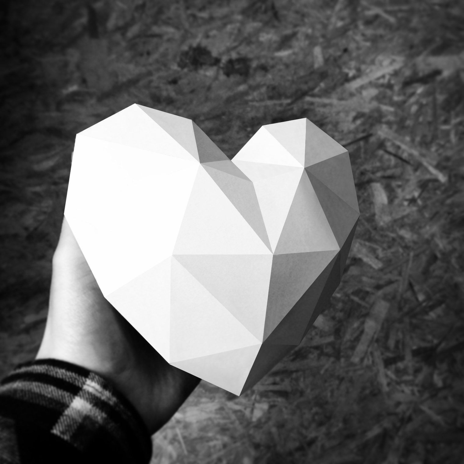 Paper Heart Papercraft polygonal polygon for free