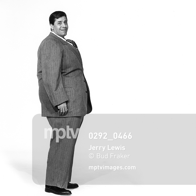 A puffy Jerry Lewis by photographer Bud Fraker, circa 1955. #comedy #blackandwhitephotography #fatsuit #mptvimages