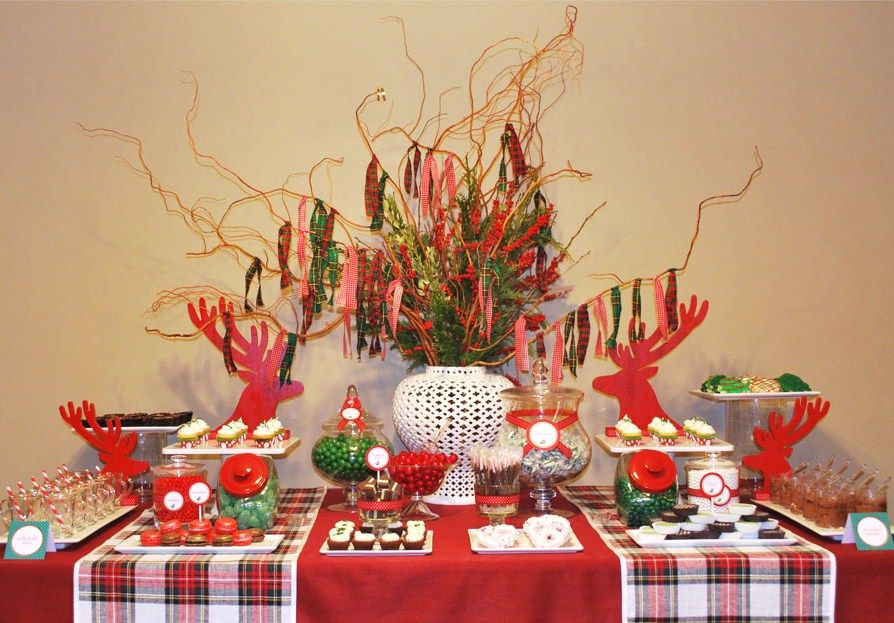 Winter Plaid Dinner Party Guest Feature Celebrations At Home Christmas Table Decorations Plaid Christmas Christmas Party Decorations
