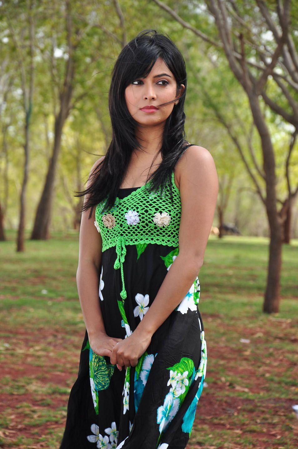 radhika pandit date of birth
