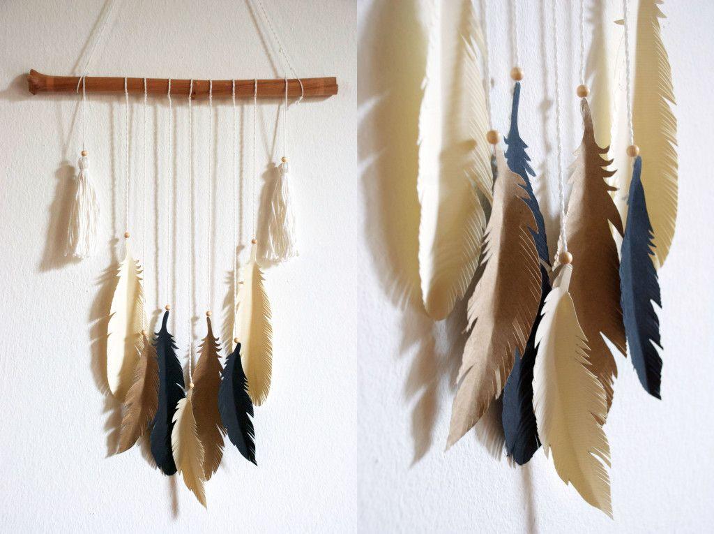 Wandbehang mit Federn