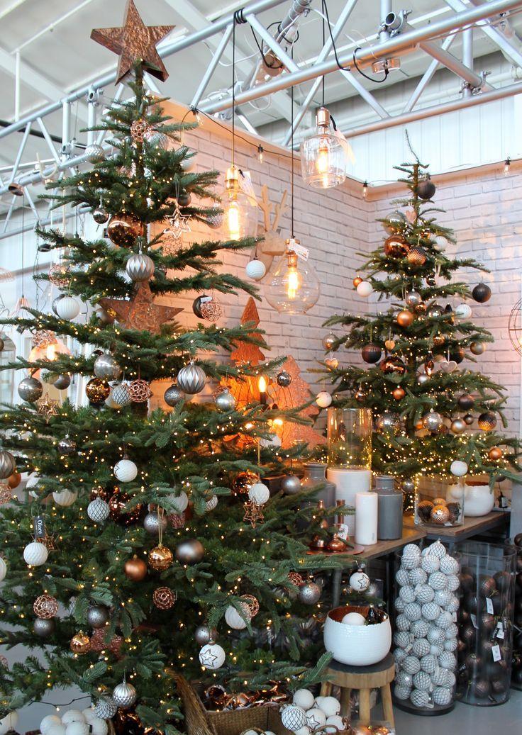 industrial christmas tree decorations - Bing images #kerstboomversieringen2019