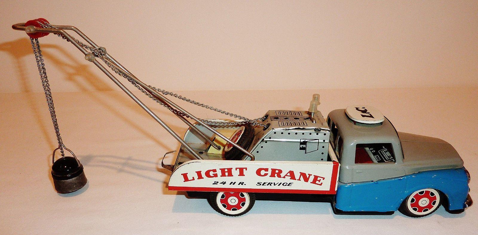 1960 toys images  VINTAGE  MADE IN CHINA Tin Litho Friction  LIGHT CRANE