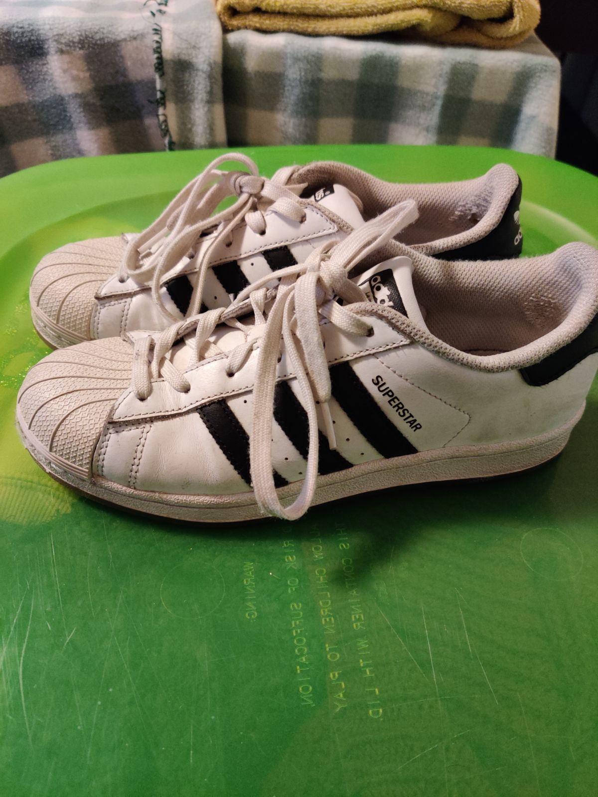 Adidas Superstars 5.5 in size youth but