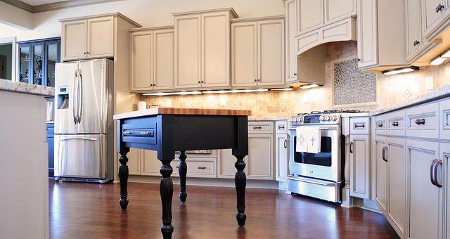 Eudora Brighton Antique White With Coffee Glaze Frameless Kitchen Cabinets Frameless Kitchen Cabinets Kitchen Decor
