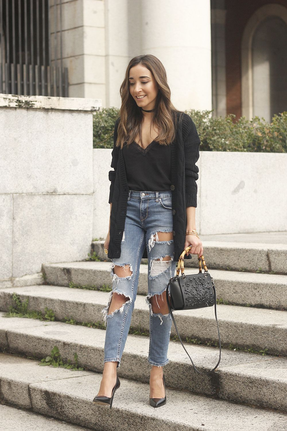 black lace top ripped jeans black cardigan uterqüe bag accessories outfit  style fashion heels05