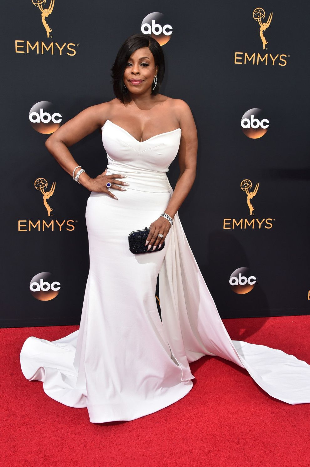 All The Looks At The 2016 Emmy Awards Strapless dress