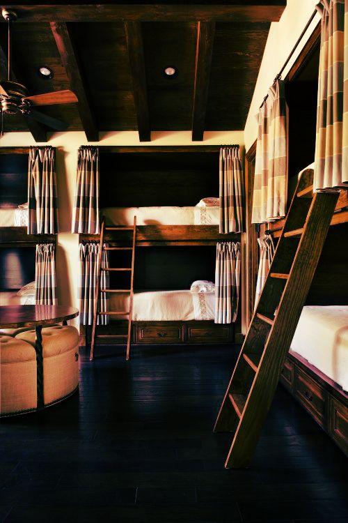 indigoandcloth hostel g stezimmer und badezimmer. Black Bedroom Furniture Sets. Home Design Ideas