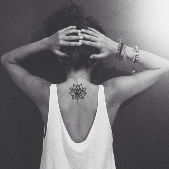 30 Tatouages Qui Vont Vous Donner Envie De Vous Faire Tatouer Tatouage Nuque Beau Tatouage Tatouage