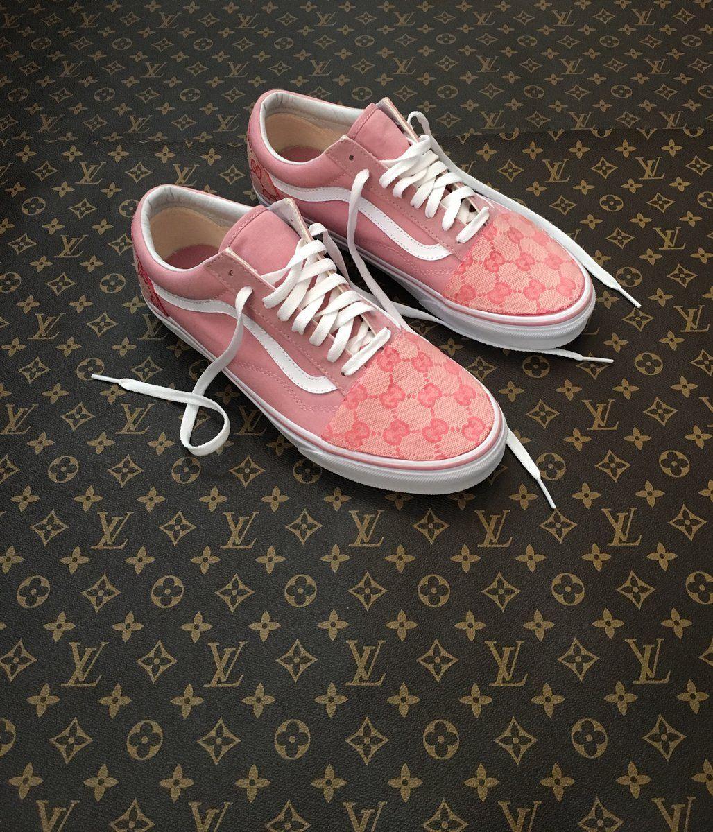 e0829793600 Tsuwoop — Custom Gucci Pink Vans