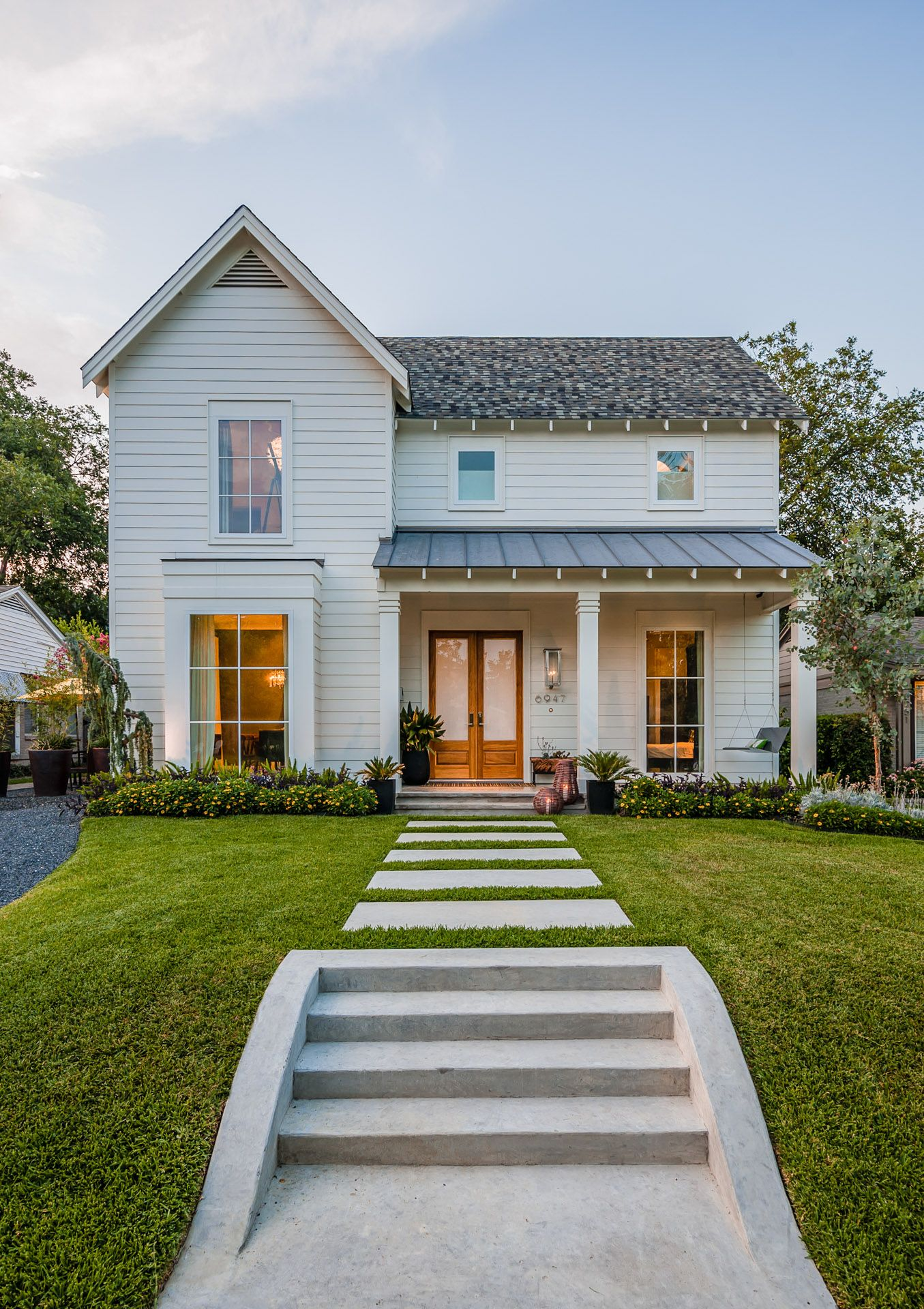 Dallas farmhouse dallas architect residential architect for Modern farmhouse architecture