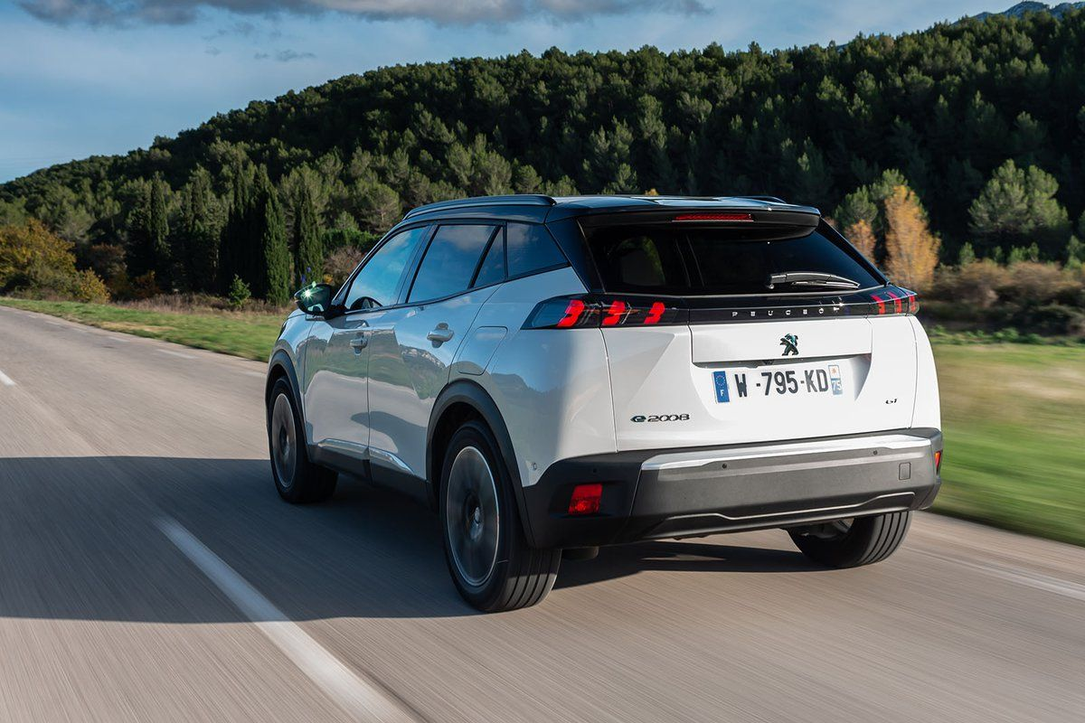Peugeot e2008 Review 2020 What Car? in 2020 Peugeot