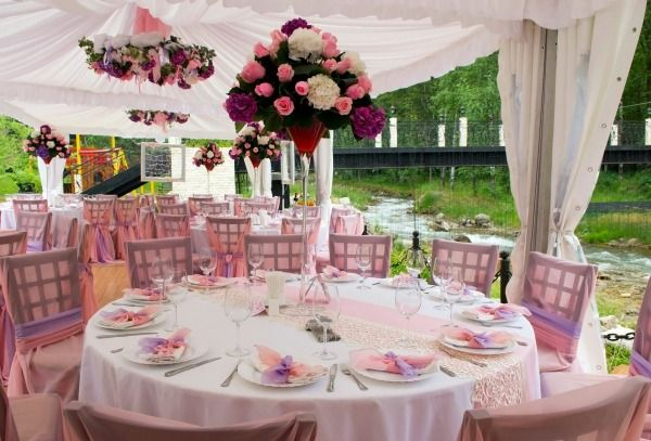 This is a guide about decorating a wedding reception. Next to the ceremony itself, the wedding reception is the next most important event of the day. Decorating the space used for this post-ceremony celebration is an important part of the planning process.