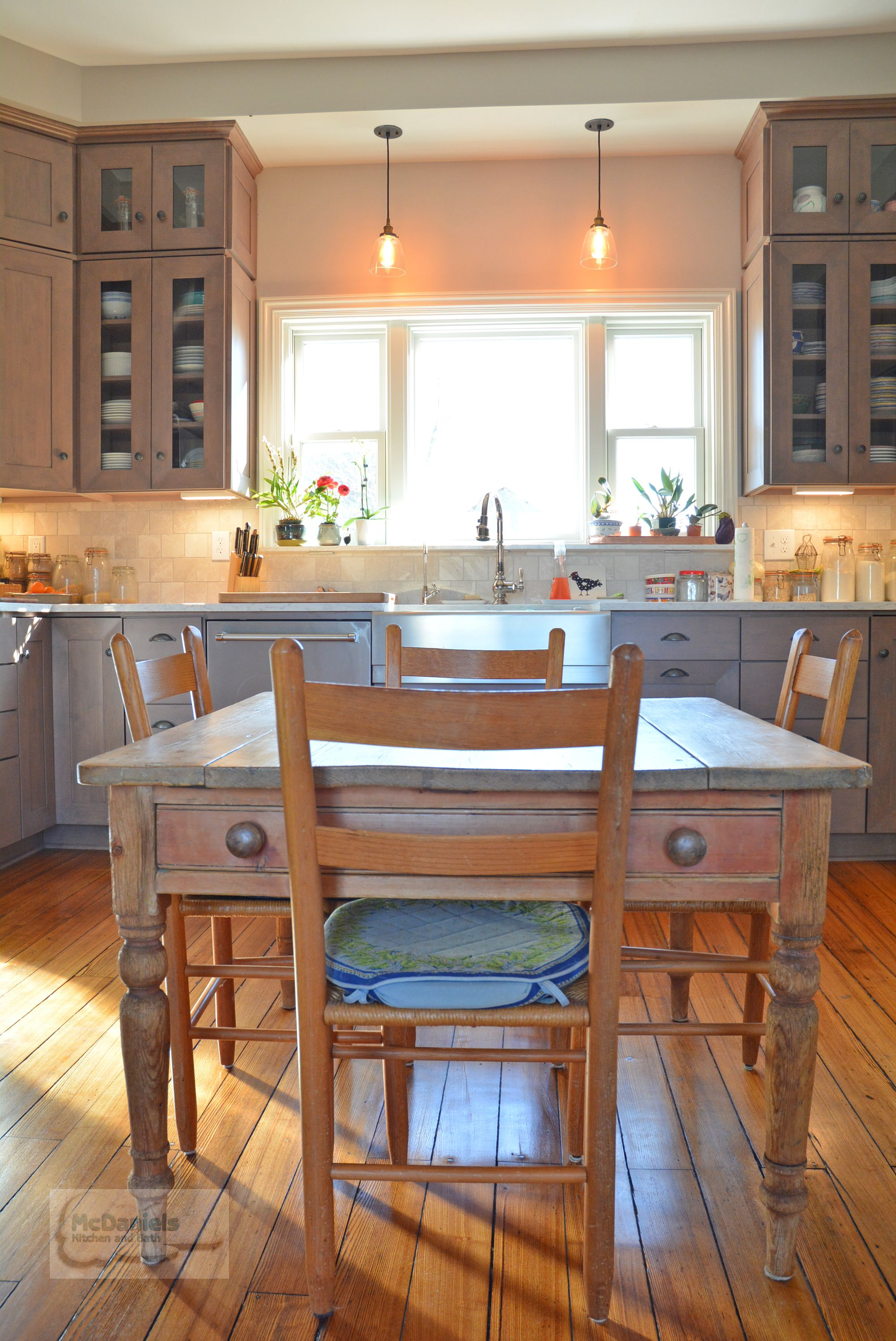 Traditional White Eat In Kitchen With Brick And Copper Vintage ...