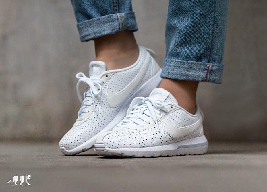 Nike Wmns Roshe Cortez NM | Nike, Pure