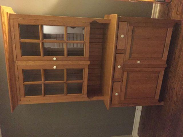 Beautiful 2pc wood & glass door hutch with bottom cabinet | hutches, display cabinets | Mississauga / Peel Region | Kijiji