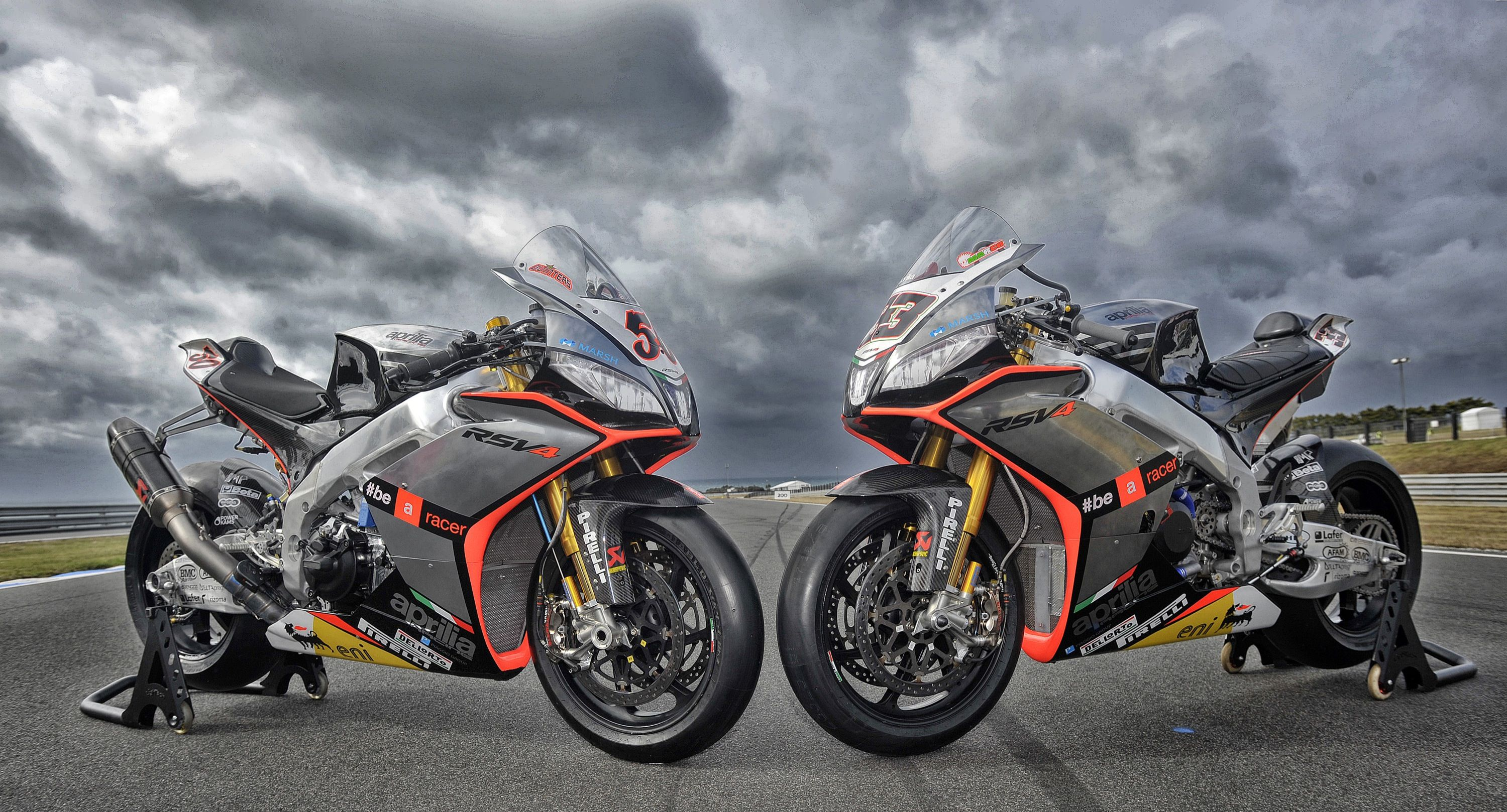 2015 Aprilia RSV4 RR Desktop Wallpaper