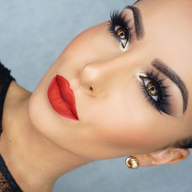 Bold red lips and pretty eyes