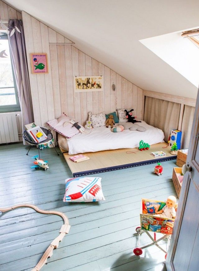 Une chambre Montessori pour le petit dernier | Montessori, Lits et ...