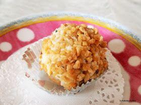 Ganz allgemein nennt man Cake-Pops auch Kuchenpralinen. Oft sind diese kleinen Verführungen am Stiel.  Muss aber nicht unbedingt!   Ich b...