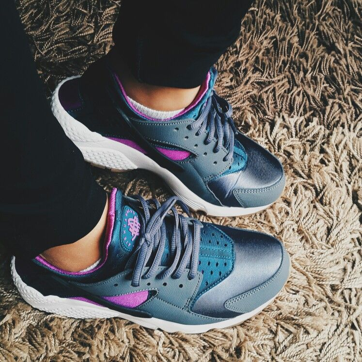 ff8e47d9201c Nike huarache teal grey very comfy and light once it gets in your feet