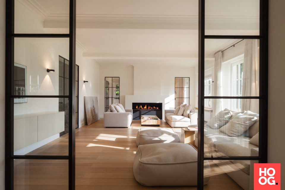 Luxe meubels in woonkamer ontwerp met open haarda | plancher | Pinterest