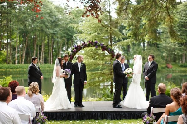 Lakeside double wedding dreaming big wedding day ideas double wedding beautiful but i dont think my sisters would be about that life junglespirit Gallery