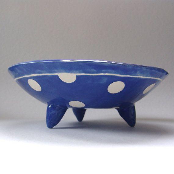 delft blue pottery Serving Bowl w/ pencil sketch por maryjudy