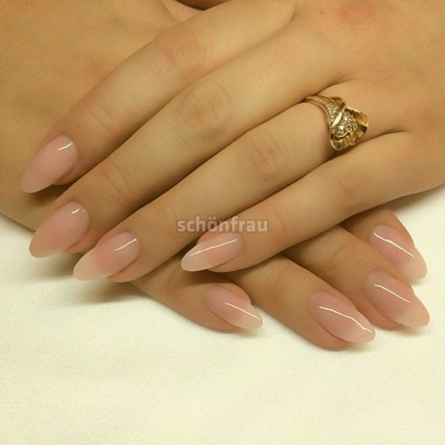 Frisch Und Sauber Manichiuri In 2020 Oval Acrylic Nails Clean Nails Soft Nails