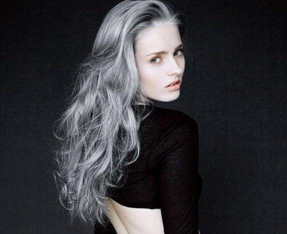 Крашеные волосы в серый