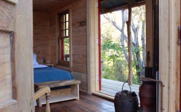 Tiny Log Cabin in New Zealand 13 | Cabin ceiling, walls, windows ...