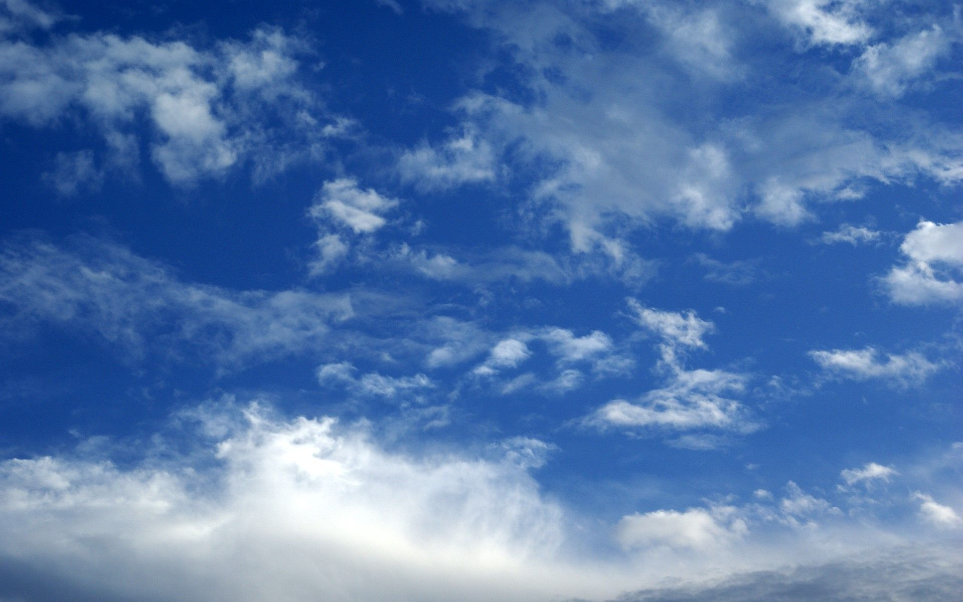 Blue Sky Clouds Wallpapers Free Hi Res Blue sky clouds
