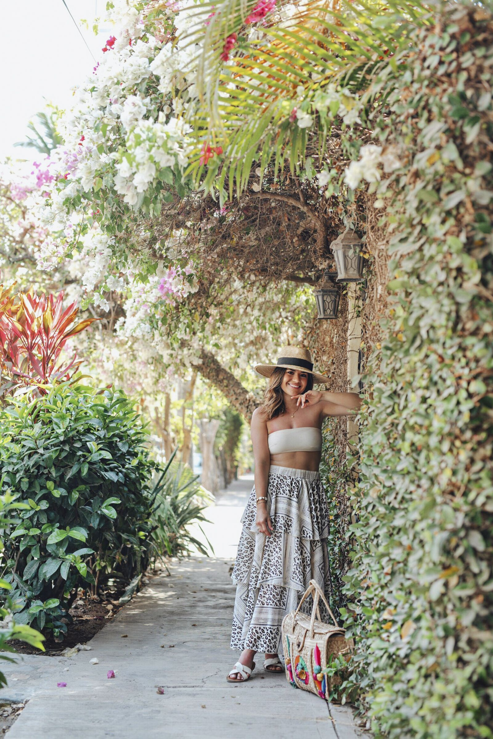 WHAT TO PACK FOR A TROPICAL VACATION | CHIC TALK | summer beach vacation outfits packing