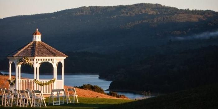 Fairview Crystal Springs Weddings Price Out And Compare Wedding Costs For Ceremony Reception Venues In Burlin Ca