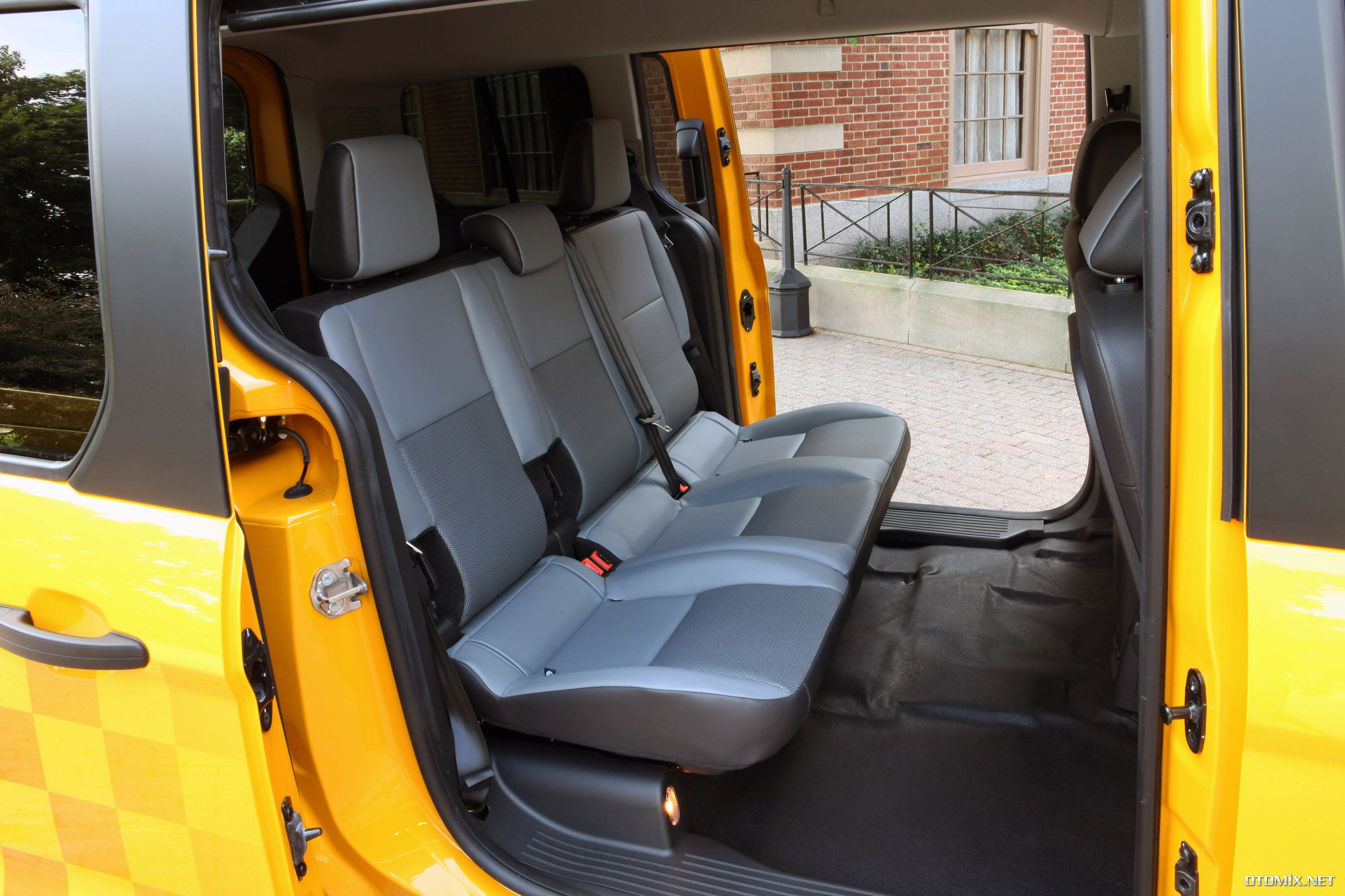 Ford tourneo courier pictures to pin on pinterest - Yeni Ford Tourneo Courier Taksi