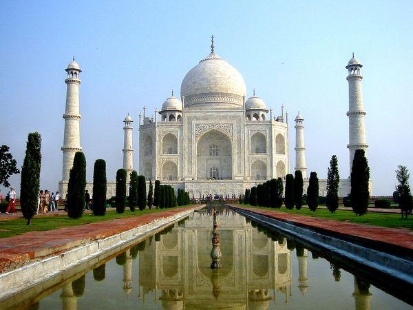 Taj Mahal in Agra, India. Una gran historia escondida en tremenda obra arquitectónica .